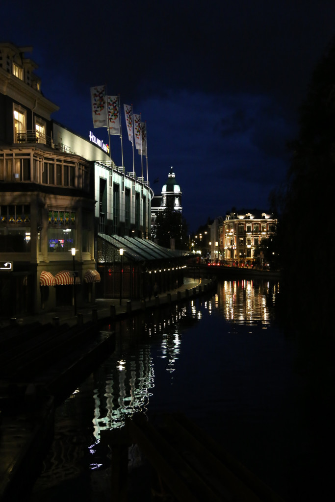 While Spain is technically in Europe, Southern Spain doesn't have much of a 'European' feel. One of the things I was looking forward to seeing most in Amsterdam was the canals and they were nothing short of amazing.